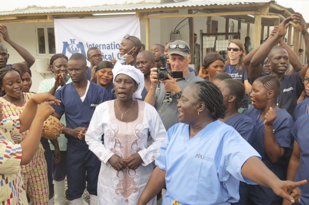 SIJERA LEONE SLAVI: Nema više zaraženih ebolom, poslednja pacijentkinja puštena kući
