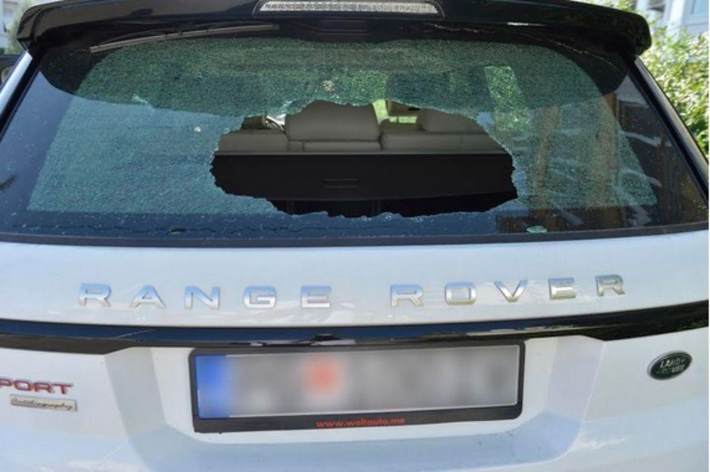 (FOTO) Demolirali auto supruge ubijenog urednika Dana Duška Jovanovića!