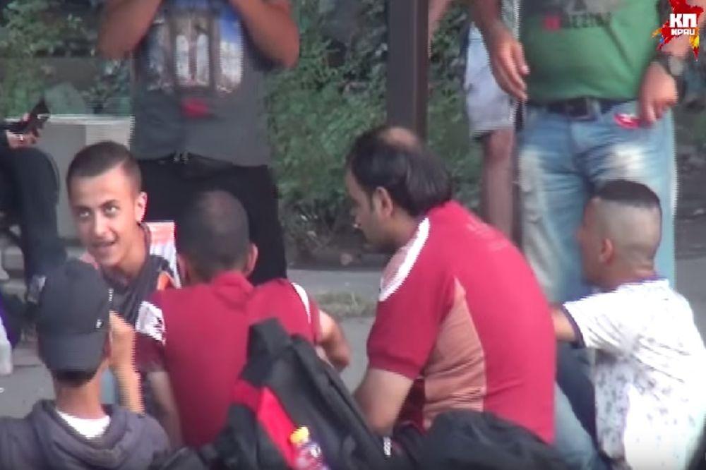 SEVNUO NOŽ ZBOG MESTA U AUTOBUSU: Sukob migranata u Kanjiži, povređen Sirijac