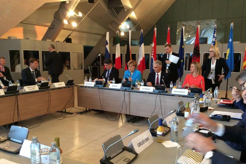 ZEMLJE REGIONA SE OBAVEZALE: Nema blokiranja na putu ka EU