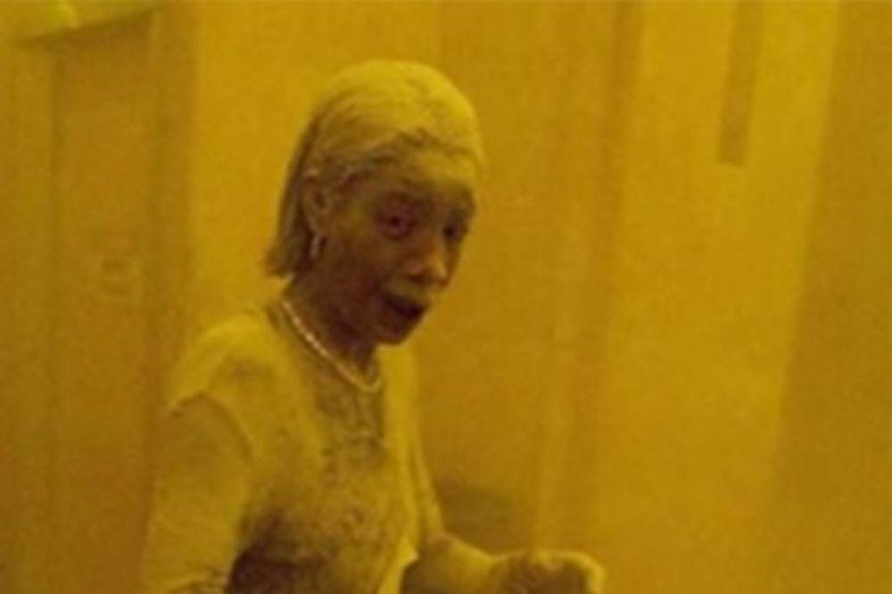 (VIDEO) NJENA SLIKA JE OBIŠLA SVET: Preminula Prašnjava žena, ikona otpora terorizmu