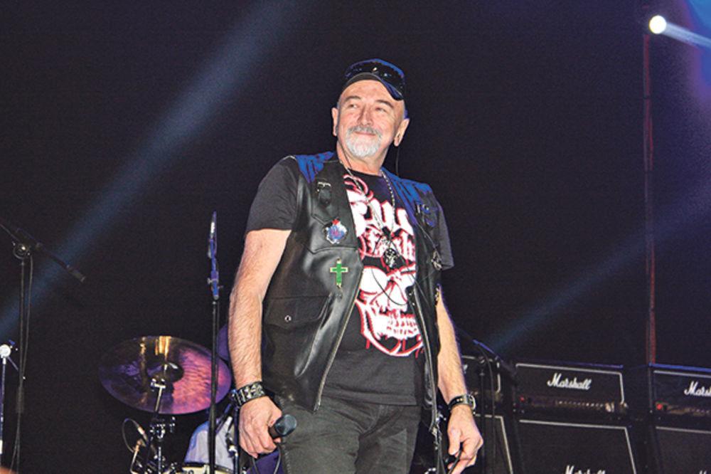 POSLEDNJI ZBOGOM LEGENDI: Sahranjen Boris Aranđelović, pevač grupe Smak!