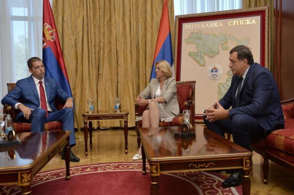 ĐURIĆ I DECA SA KOSOVA KOD DODIKA: Sporazum o ZSO je važan za normalizaciju odnosa u regionu