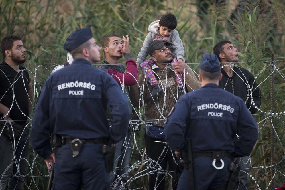 NE POMAŽE OGRADA: Mađari šalju vojsku na granicu sa Srbijom