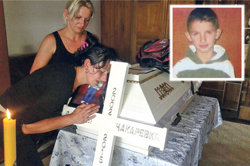 JAUCI ODJEKUJU SELOM: Dečak (13) umro od uboda ose, doktor mu dao pogrešan lek!