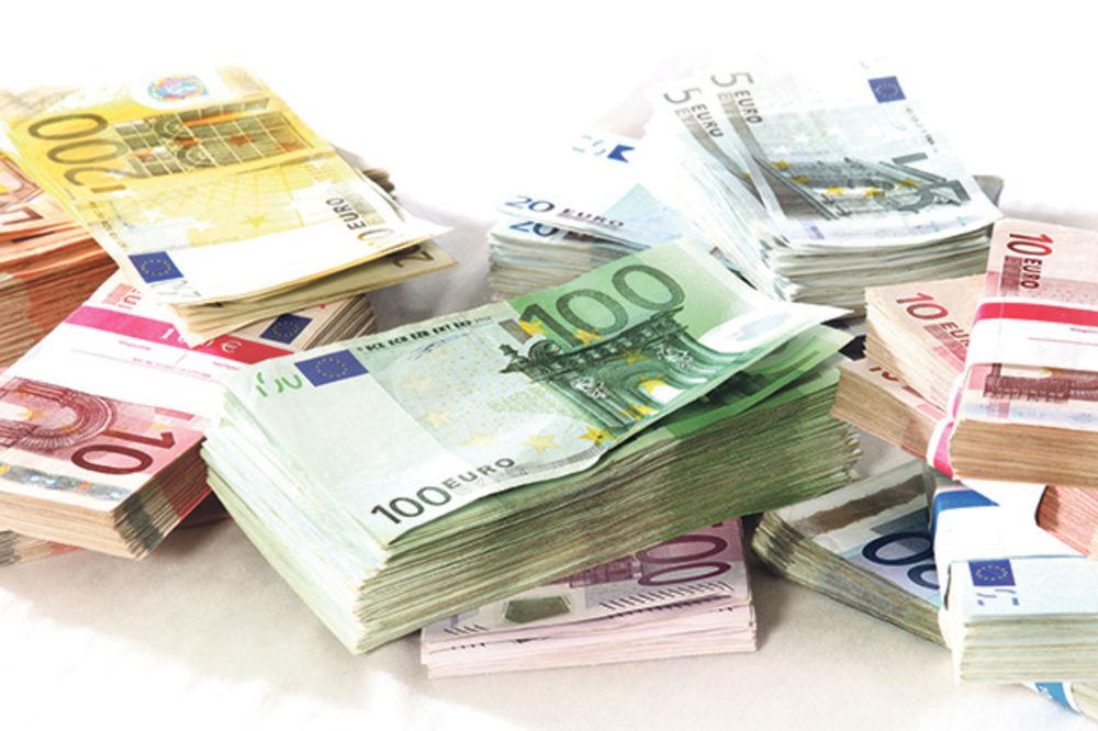 DINAR I DALJE U STAGNACIJI: Evro danas 122,9 dinara