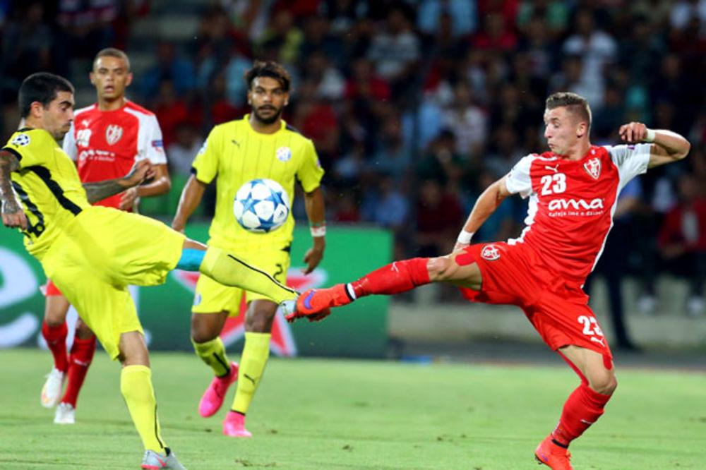 (VIDEO) ALBANCI UHVAĆENI NA DELU: Fudbaleri Skenderbega namestili meč sa Dinamom?