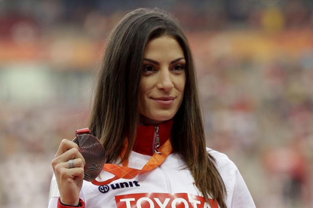 (FOTO) SIJA BRONZA: Ivana Španović dobila medalju za treće mesto na SP