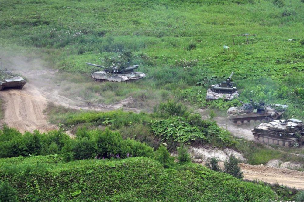 NEOBJAŠNJIVO GOMILANJE SNAGA: Rusija ovde očekuje NATO, gomila snage na granici sa Ukrajinom!