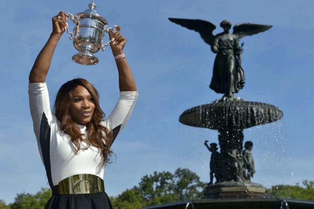 (VIDEO) RUŠI SVE GRANICE: Evo kako je Serena ušla u istoriju US opena i pre nego što je turnir počeo