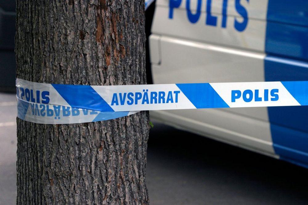 SUROVI RAT BANDI U MIRNOJ ŠVEDSKOJ: Ubacili bombu u stan i ubili dečaka (8)