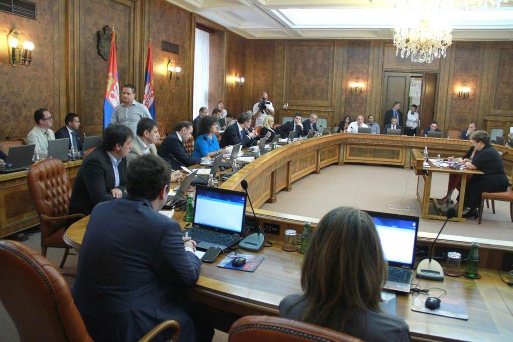 KO KOLIKO ZARAĐUJE: Evo koji ministar ima veću platu od Vučića i Nikolića