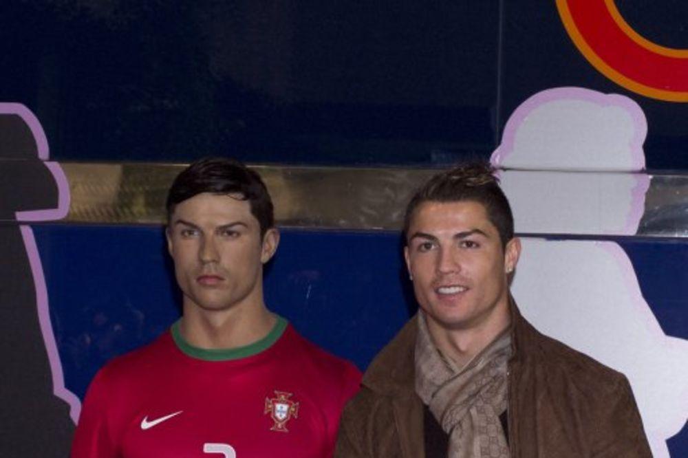 NEVIĐENI NARCIS: Ronaldo naručio svoju voštanu figuru i naredio da paze na frizuru!