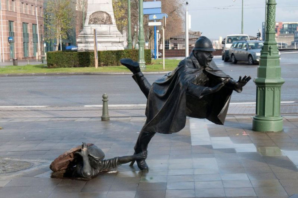 Čudne statue širom sveta - Page 13 De-vaartkapoen-skulptura-newsweek-foto-profimedia-1441017913-730337