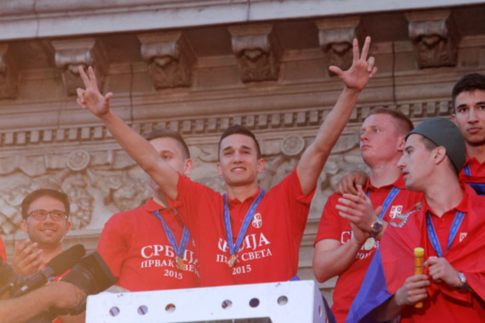 (VIDEO) SRBIJA IZGUBILA MANDIĆA: Orlić koji nam je doneo svetsku titulu odlučio da igra za Crnu Goru