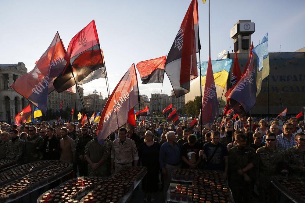 BRITANSKI FAJNENŠNEL TAJMS OTKRIVA: Vojska Ukrajine u raspadu, Desni sektor sprema novu revoluciju