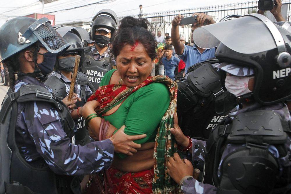 NEPALSKA MANJINA TRAŽI NEZAVISNOST: Policija ubila 5 demonstranata