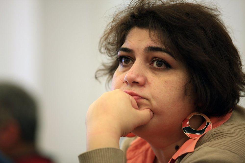 SUD U BAKUU: Osuđena novinarka na 7 godina zatvora jer je izveštavala o korupciji predsednika