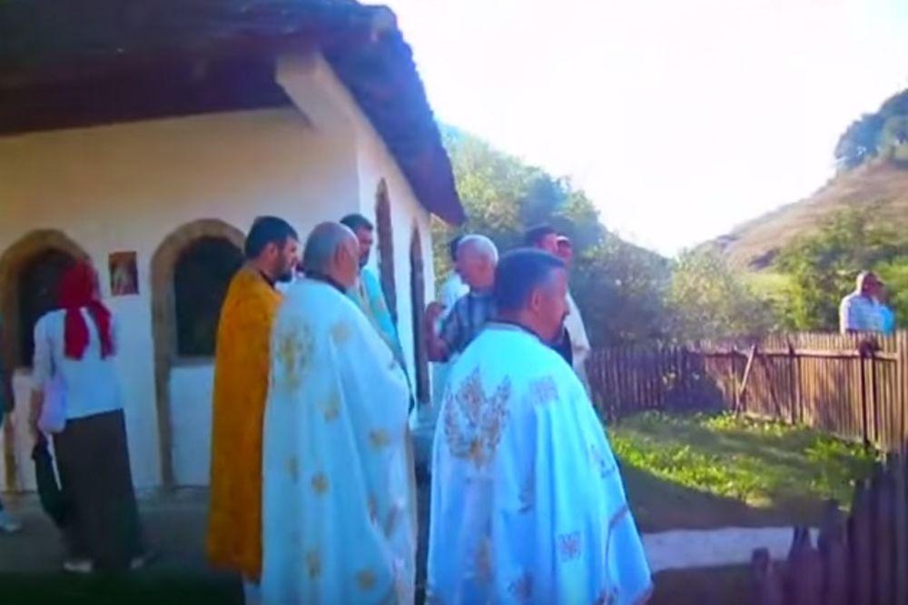 KO MISLI DA JE TO POSLEDNJA LITURGIJA, VARA SE: Pouke naroda sveštenicima Valjevske Gračanice