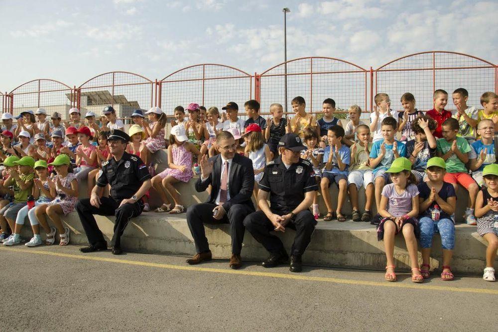(FOTO) STEFANOVIĆ: Cilj MUP je da više nijedno dete ne strada u saobraćaju