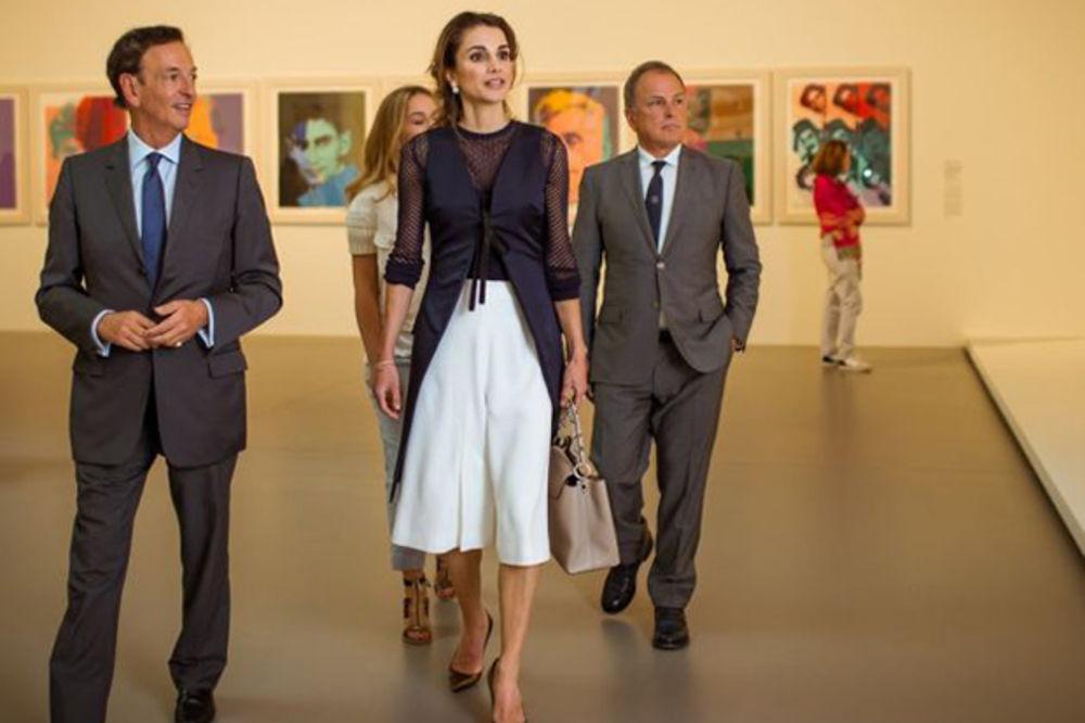 Šik na persijski način: Jordanska kraljica Ranija blistala na turneji u Francuskoj