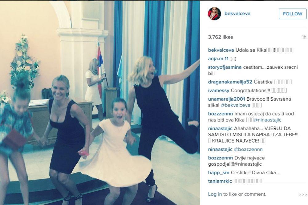(FOTO) PO DRUGI PUT: Nataša slavi sestrinu udaju!