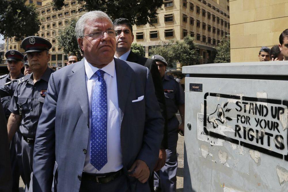 LIBAN: Ministar preti demonstrantima da se raziđu, inače...
