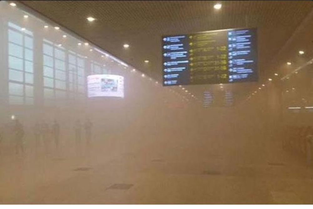 POŽAR NA AERODROMU U MOSKVI: Evakuisano 3.000 ljudi, kasne letovi