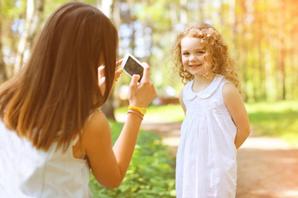 Roditelji, ovakve fotografije dece ne kačite na društvene mreže!