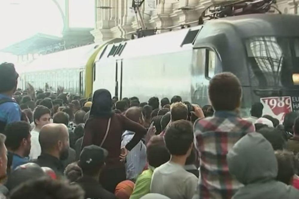 HRLE KA AUSTRIJI: Voz pun migranata krenuo iz Budimpešte, ali sačekao ih je novi problem