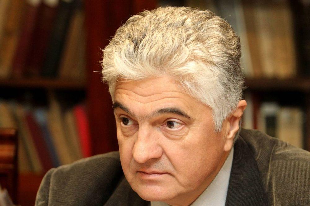 Backović: Ustav Srbije mora da se menja do kraja 2017.