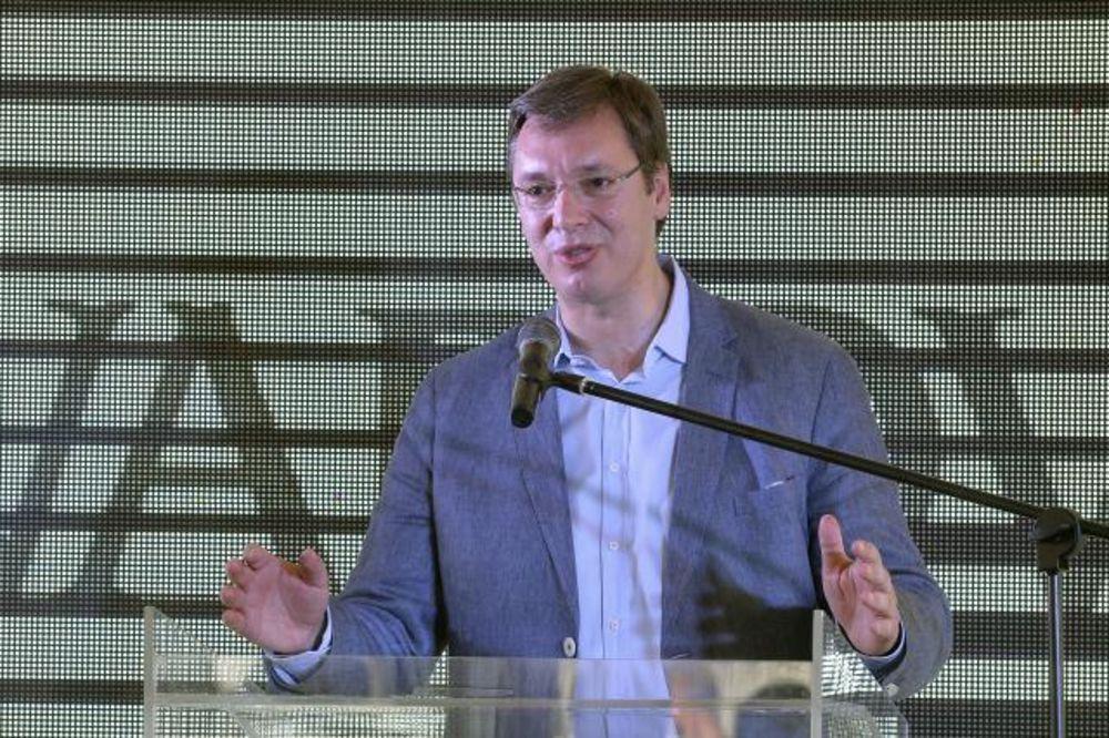 Vučić: U ŽŽelezari je sve lepo, nema višše posla za snaje iš šurnjaje!