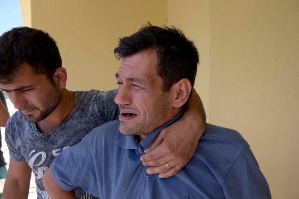 OSTAO SAM NA SVETU: Otac utopljenog sirijskog dečaka vraća se u Kobane