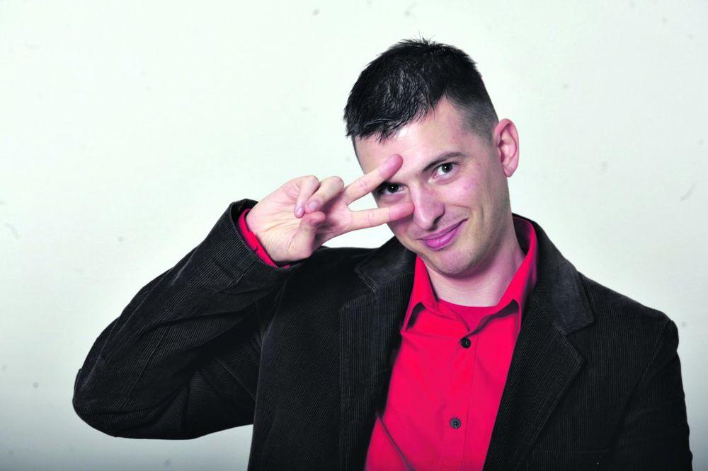NAPADNUT GEJ AKTIVISTA Predrag Azdejković: Šutnuli su me u stomak