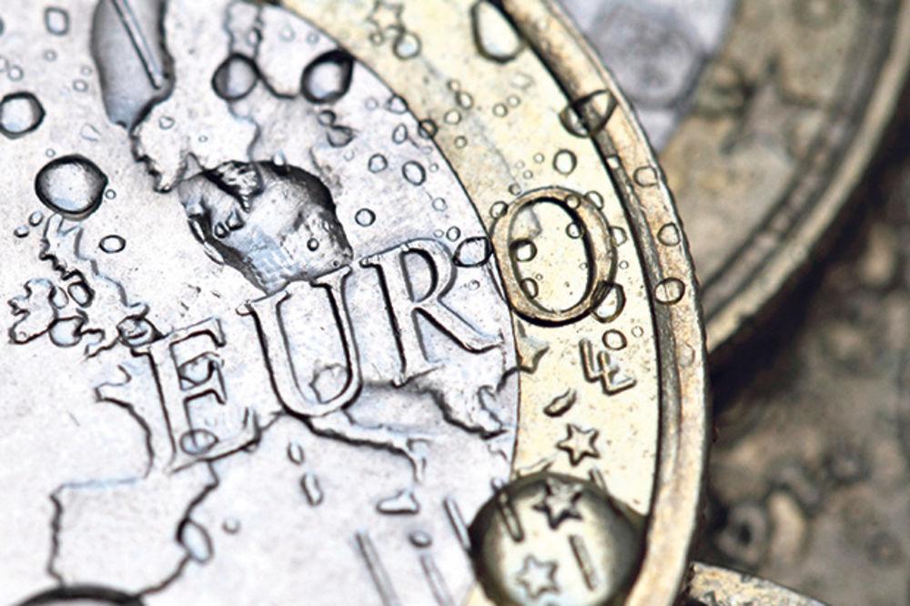 SREDNJI KURS: Evro danas košta 123,4 dinara