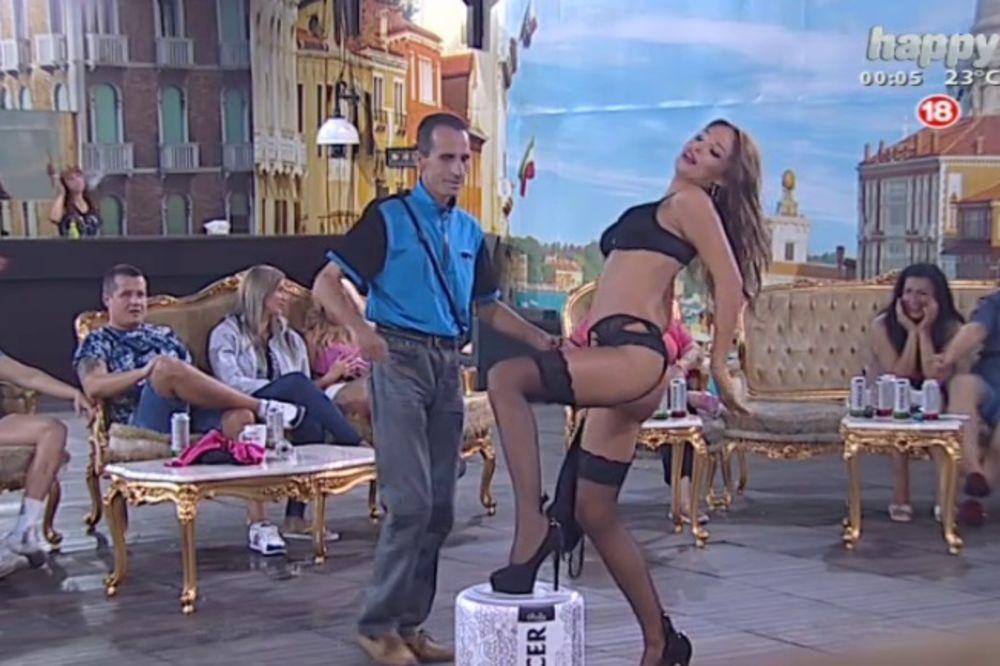 (VIDEO, FOTO 18 +) SAMO ZA JAKE MOMKE: Šavija izvela striptiz, Eru uhvatilo srce!