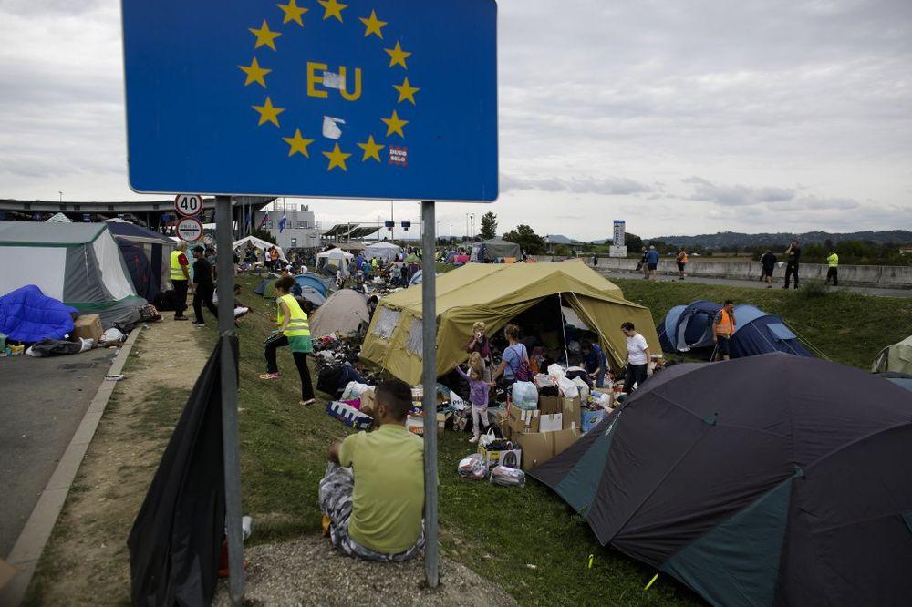 EU tabla, migranti, slovenačka granica, foto AP