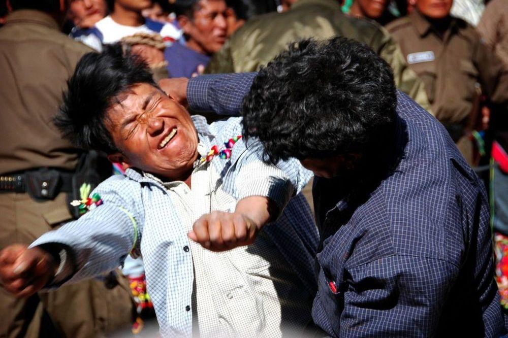(VIDEO) Kad prva žrtva padne, bogovi su zadovoljni: Tuča, ples i alkohol za n...