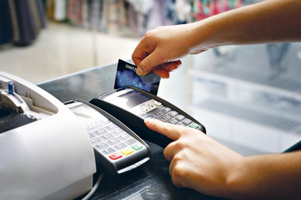PREŠEVO: Počela podela platnih kartica za izbeglice od 70 i 210 evra