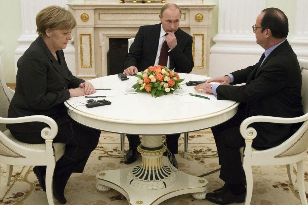 DOGOVOR O UKRAJINI: Putin, Oland i Merkelova dogovorili sastanak na marginama G20