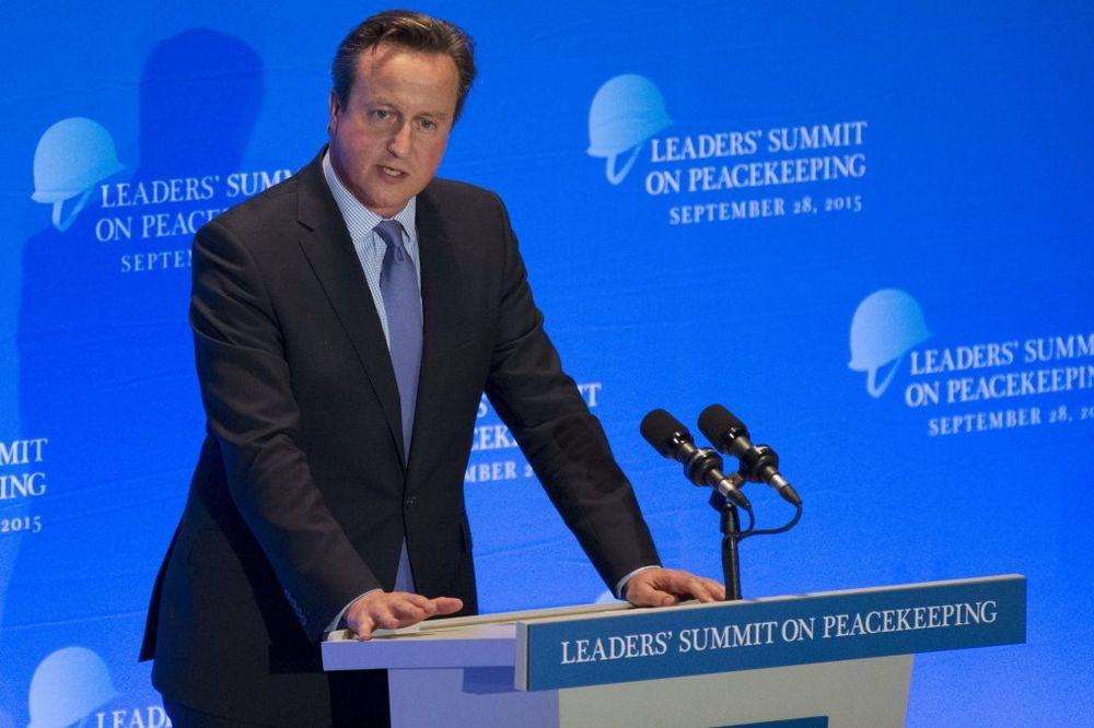 KAMERON: Ako Britanija izađe iz EU, 50.000 migranata dolazi u zemlju