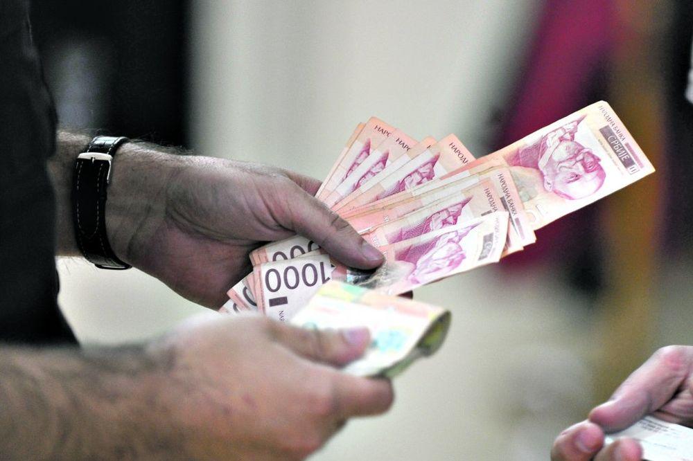 DINAR U STAGNACIJI: Evro danas 122,8 dinara