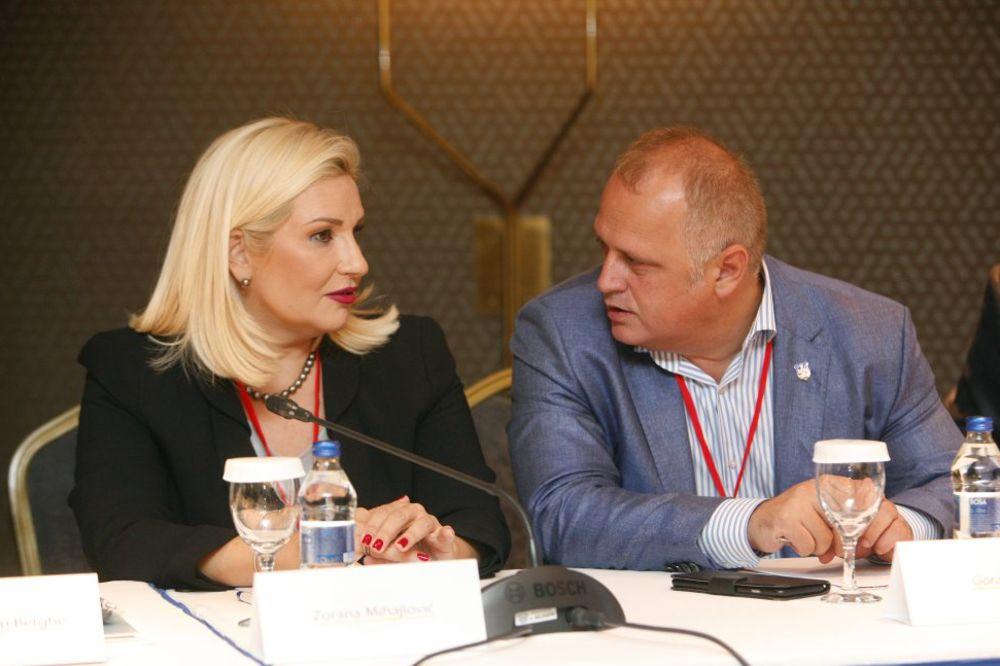 MIHAJLOVIĆ I VESIĆ: Predsednici opština da do 5. septembra dostave spiskove za rušenje