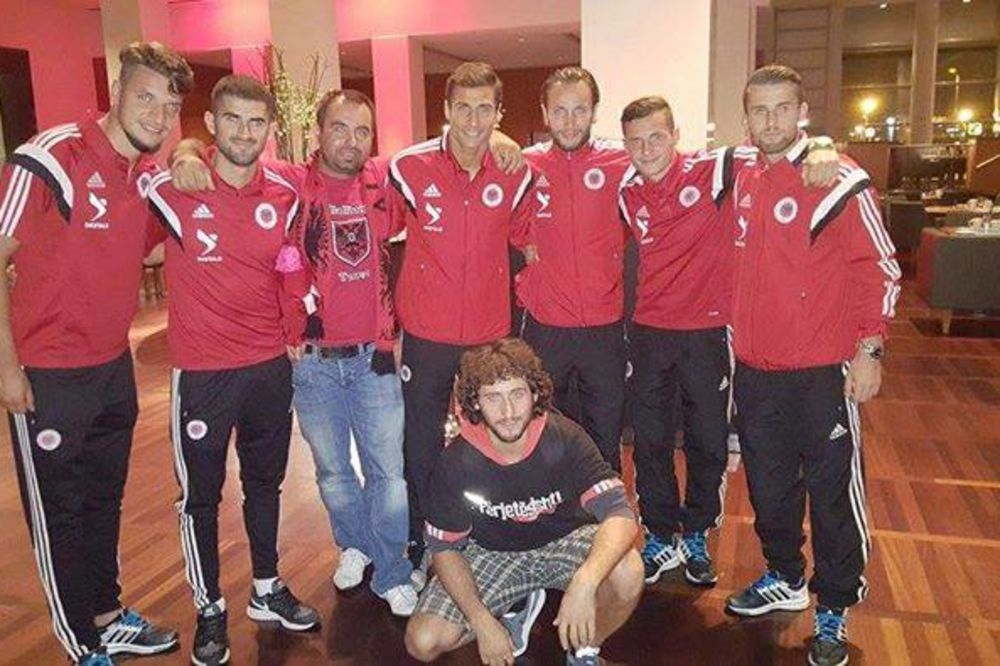 Morina sa fudbalerima Albanije (Foto: Fejsbuk)