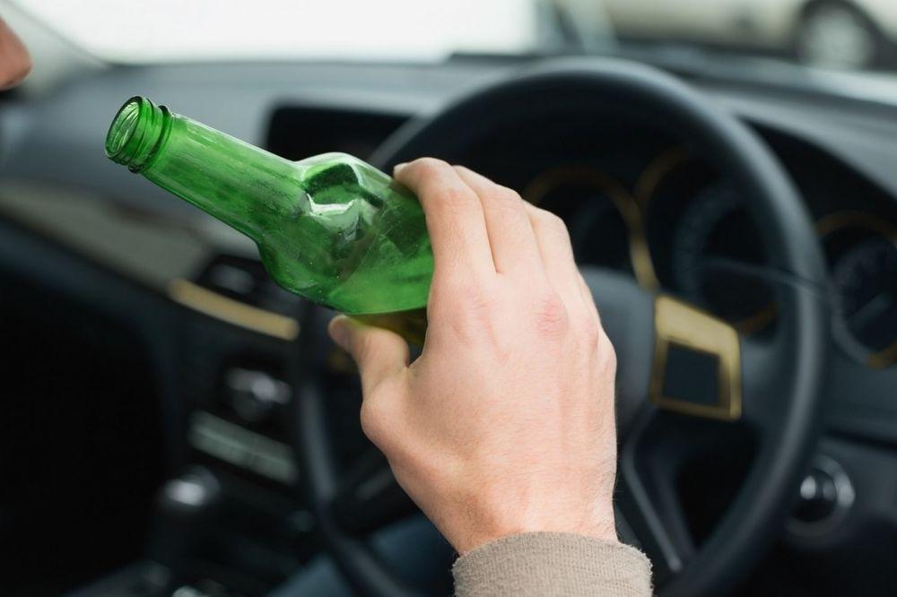 U IRANU ZABRANJEN ALKOHOL A NIKAD VIŠE PIJANIH VOZAČA: Za 12 meseci priveli čak 2.900 pijanaca