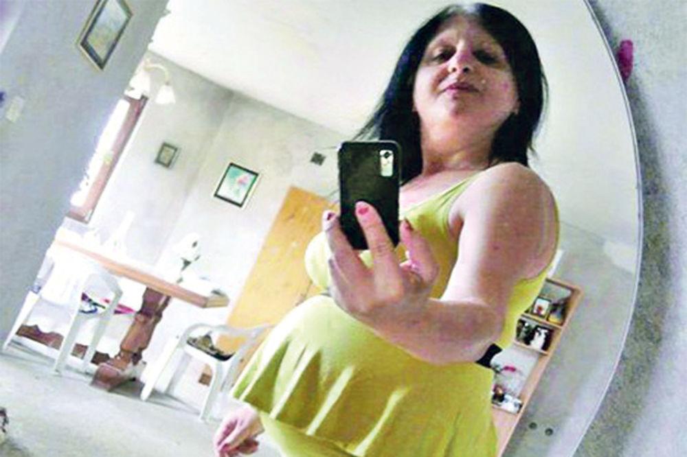 LUDAČKA ISPOVEST Selfi čedomorka za Kurir: Okačila sam sliku svoje mrtve bebe zbog uspomene!