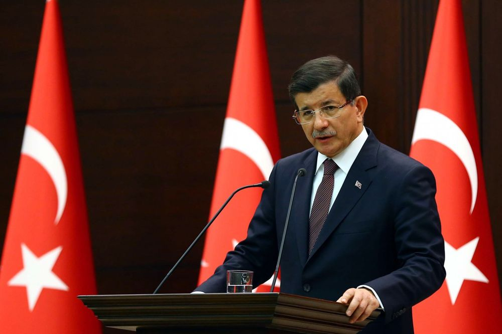 DAVUGOTLU SE USPROTIVIO MERKELOVOJ: I dalje ćemo napadati kurdske snage u Siriji