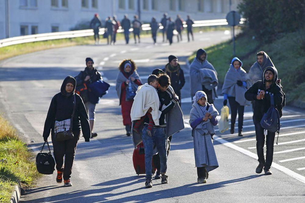 IDU PREKO SRBIJE DO NEMAČKE: Albanska policija privela 16 Sirijaca