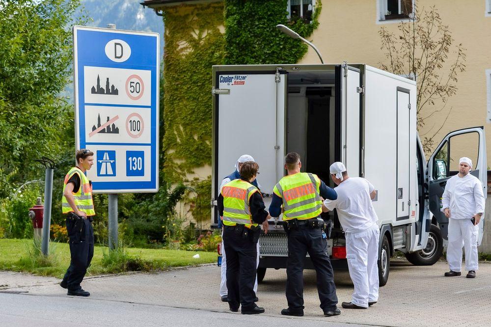 NA IZLAZU IZ AUSTRIJE: U kamionu iz BiH pronađeno 5 migranata