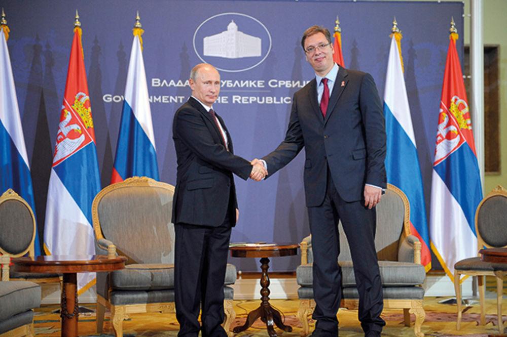 Sve oči uprte u njih...Predsednik Rusije Vladimir Putin sa premijerom Srbije Aleksandrom Vučićem